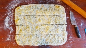 cheese garlic bread process