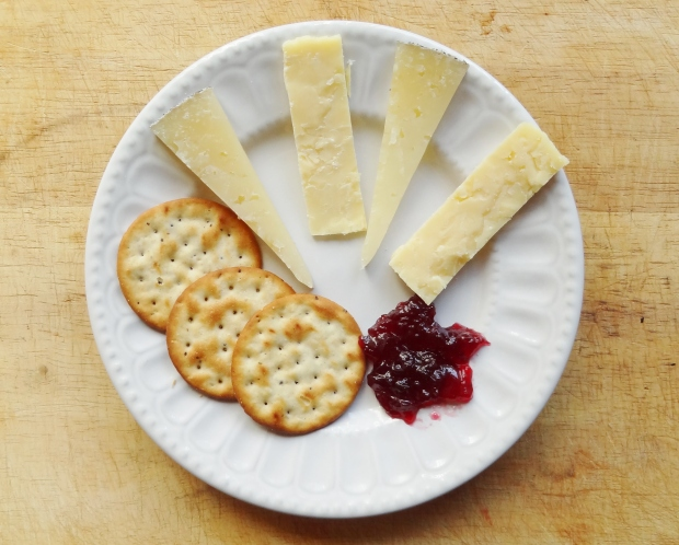 spiced blackberry and apple jelly with cheese