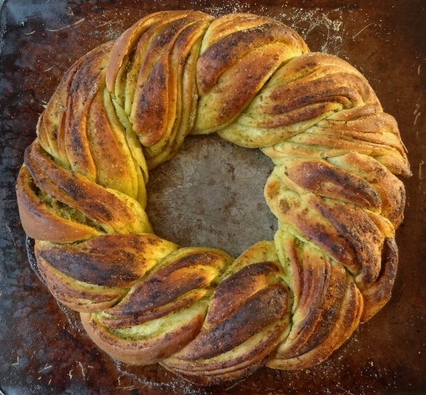 Pesto Bread Wreath