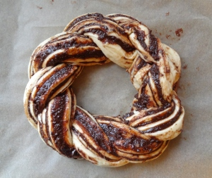 chocolate chestnut bread wreath